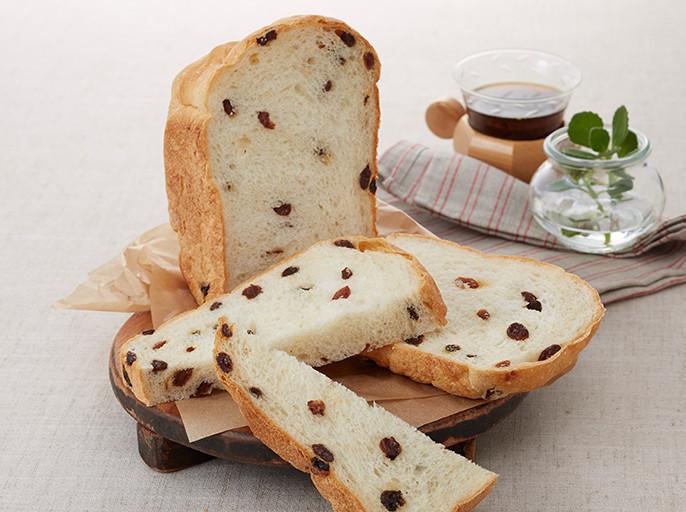 画像:レーズンパン ロールパン マーブルパン