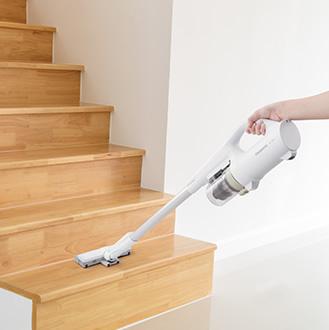 イメージ:階段を掃除する