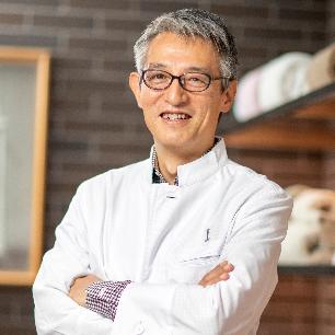 Tetsuya Abe, Giám đốc đại diện, IKEUCHI ORGANIC Corporation